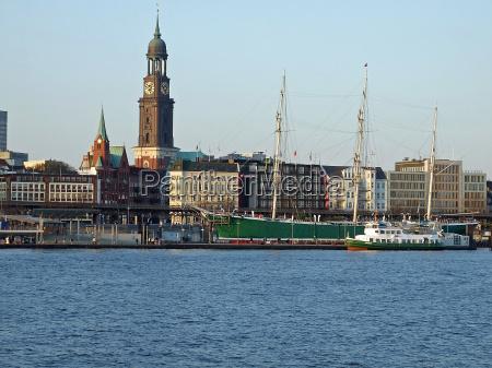 michel nel porto di amburgo