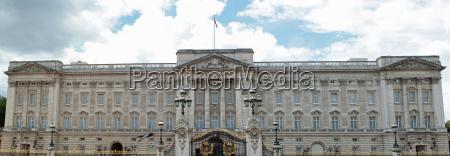 londra inghilterra bandiera regina palazzo buckingham