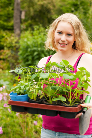 giardino piantare seminare giardiniere giardinaggio giardini