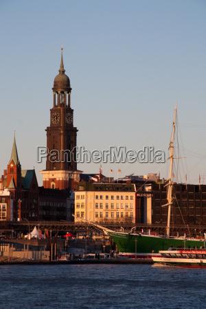 chiesa sera amburgo campanile elba michel