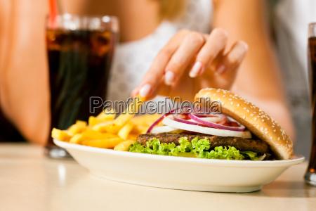 donna ristorante fast food hamburger polpetta