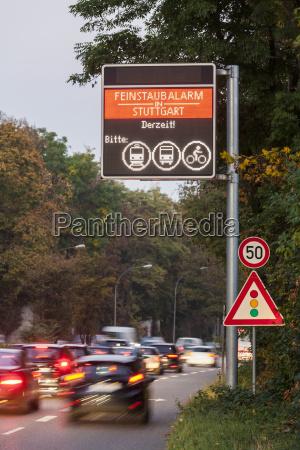segnale pericolo viaggio viaggiare ambiente albero