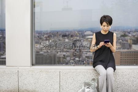 telefono donna donne cellulare citta tempo