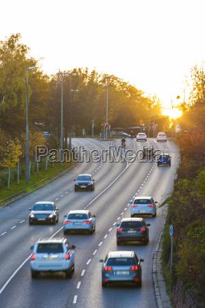 viaggio viaggiare traffico tramonto auto veicolo