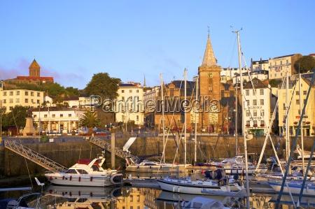 st peter port harbourguernseychannel islandsregno unitoeuropa