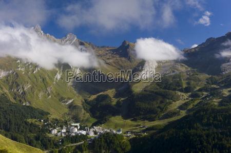 viaggio viaggiare colore montagne caucasico europeo