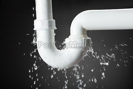 perdita di acqua dal tubo