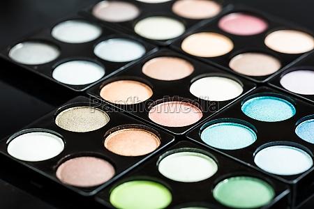 close up della palette dombra docchio
